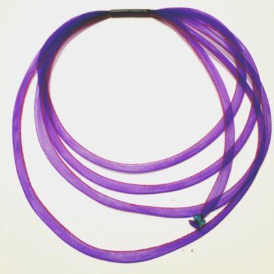 Collier tournicotti violet